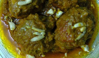 Stuffed Egg Curry / Bharwan Egg Masala / Masala Dim.