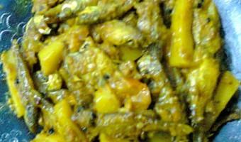Dry Dish Of Mola Carplet (Mourala Fish)/Mourala Macher Jhal