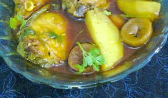 Delicious Fish Gravy With Coriander Leaves / Dhonepata  –  Mach