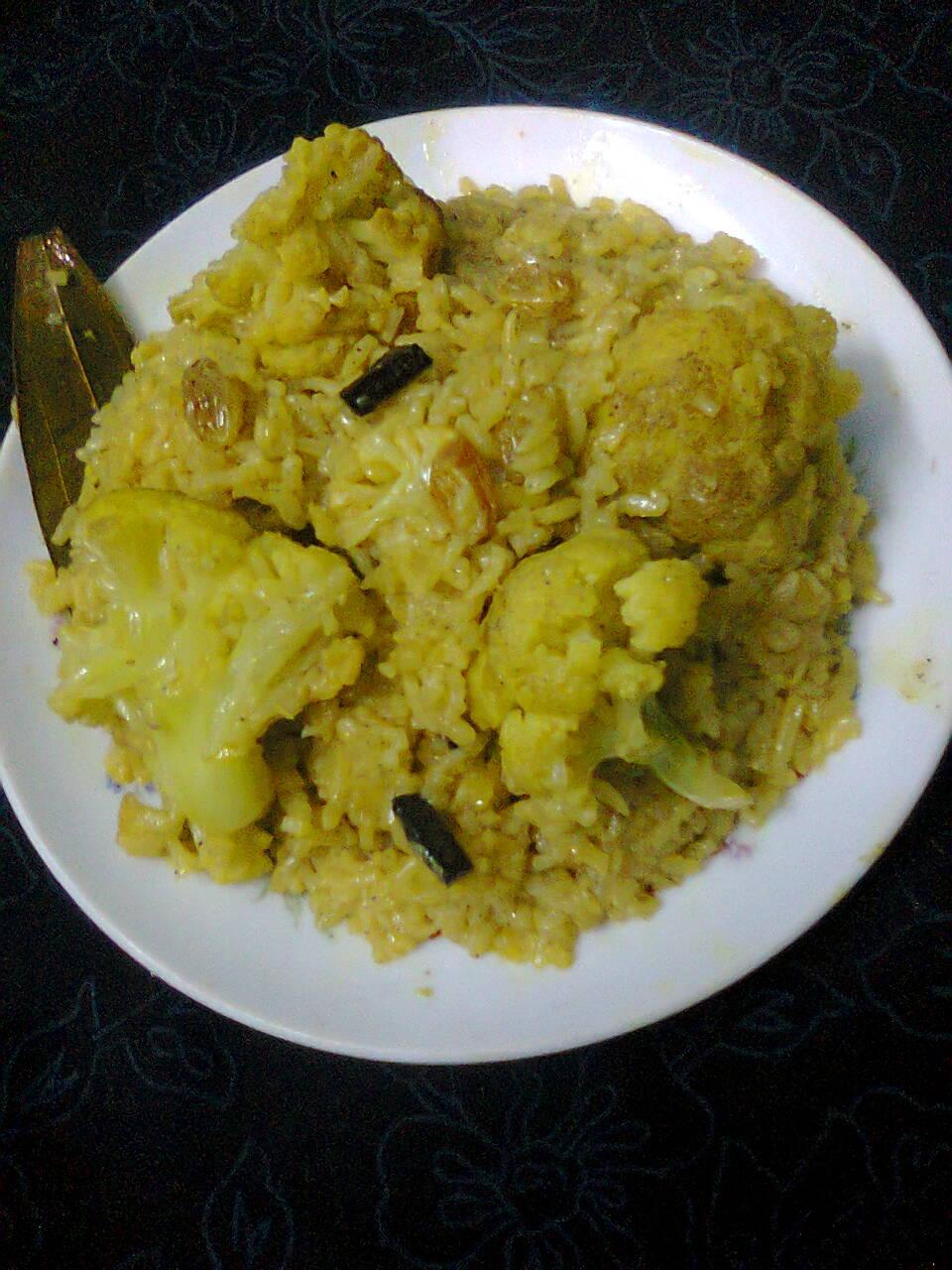 Cauliflower Pulao In Pressure Cooker/Quick And Easy Fulkopir Pulao