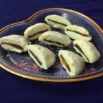 Sandwich Sondesh With Aamsotto (Aam papad)